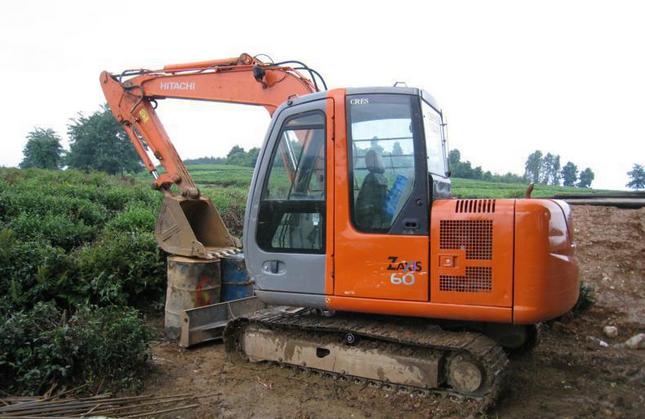 日立ZAX60小型挖掘机